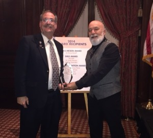 Dr. Jack Dillenberg presents Dr. Irv Silverstein with a Shil's Award.